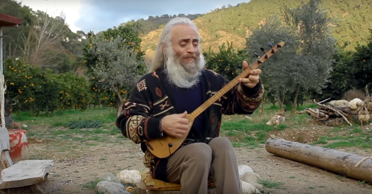 A Very Short Introduction to Özgür Baba and His Music